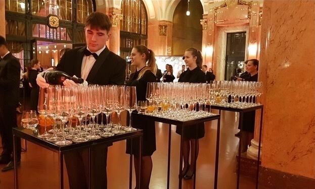Catering debaras hostesky a promotéři